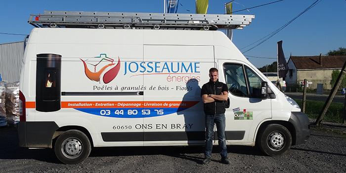 Alexis, technicien poêles à granulés de bois, Josseaume Énergies