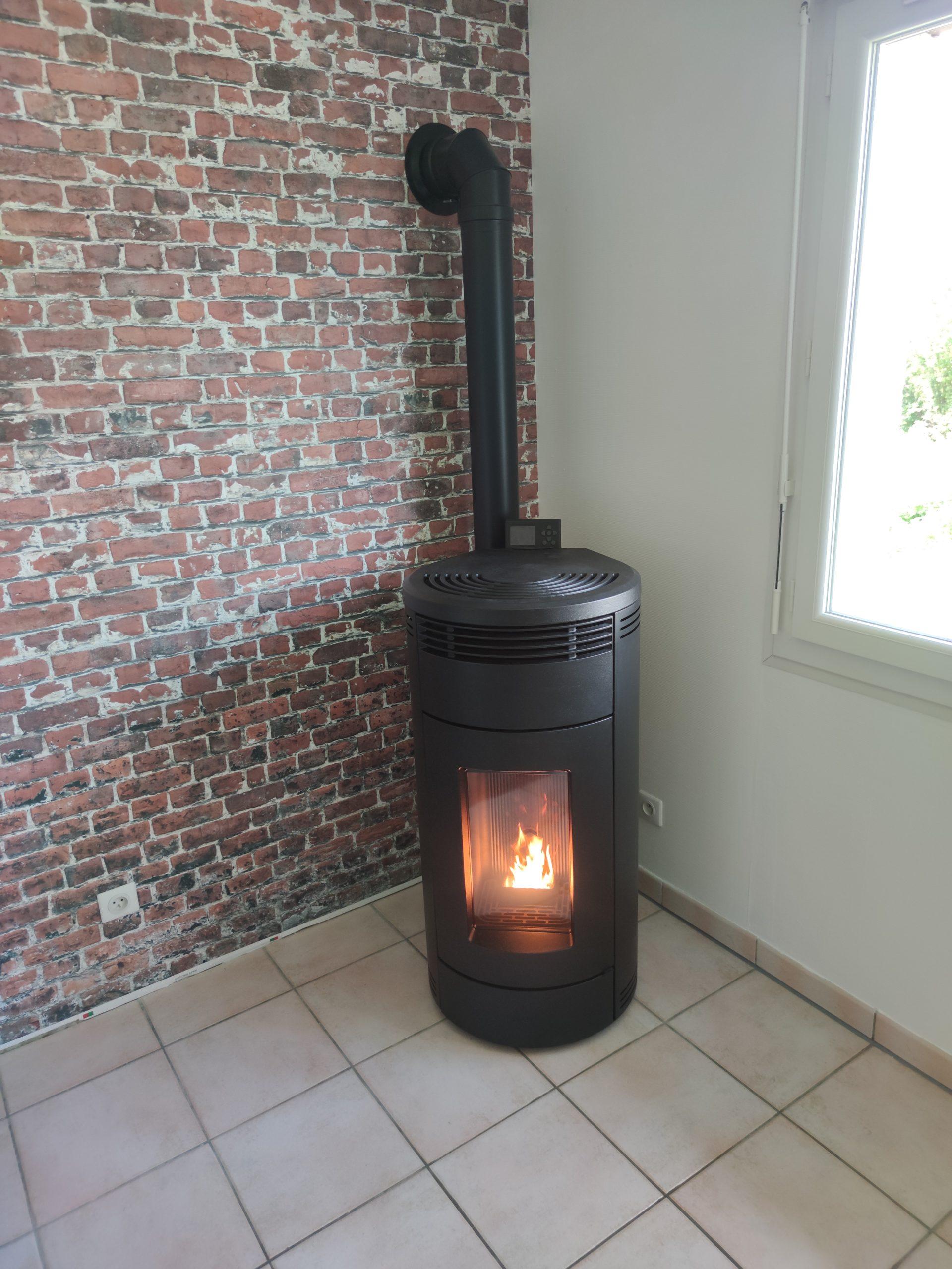 Installation d'un poêle à pellets MCZ, Villembray (60)